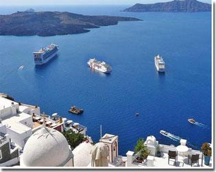 santorini-cruise-ships