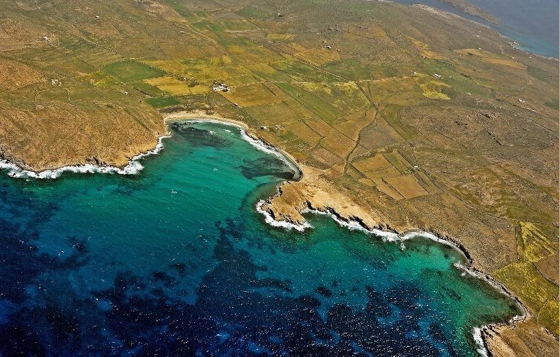 Ρήνεια, αεροφωτογραφία από την περιοχή της Αγίας Τριάδας